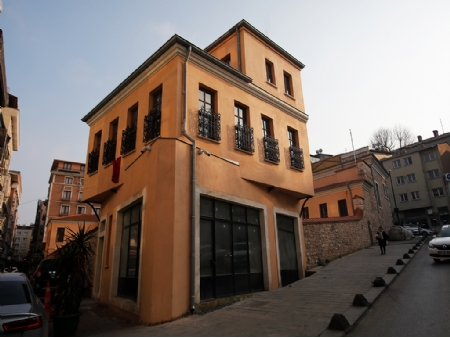 Safveti Paşa Tekkesi
